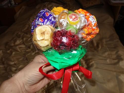 kytka-k-jidlu-susene-plody
