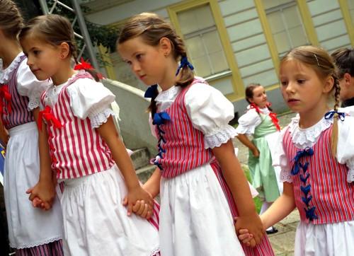 lidove-tanecky-a-tradice-pro-skolkove-deti