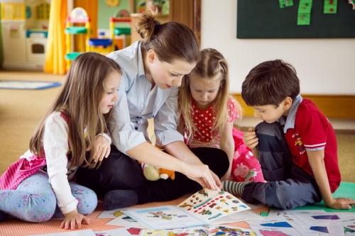 Děti se učí angličtinu v MŠ